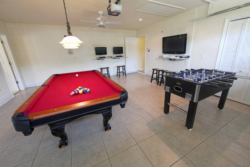 basement-game-room