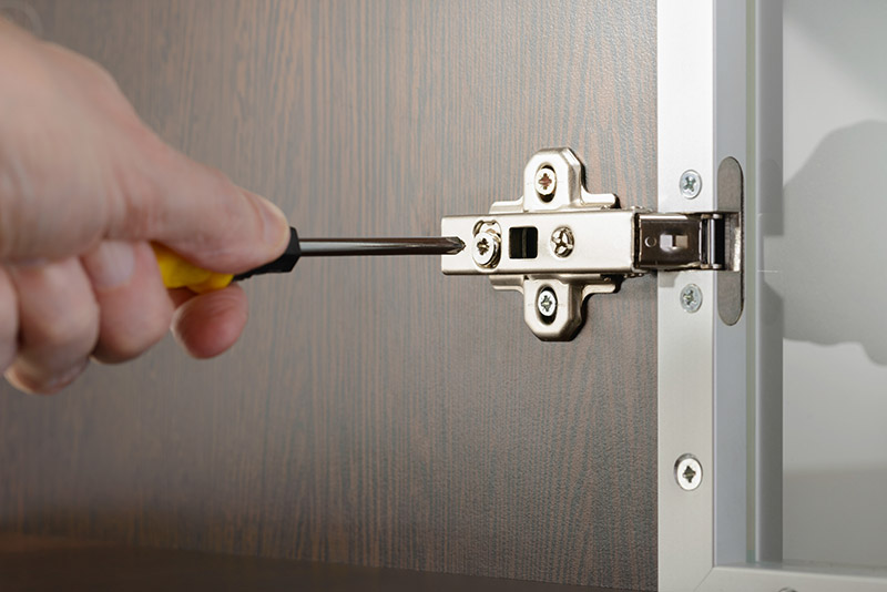 installing a cabinet hinge
