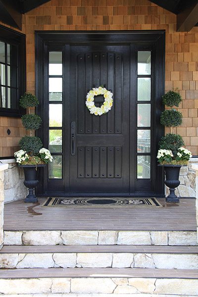 home door color design  | 500 x 392