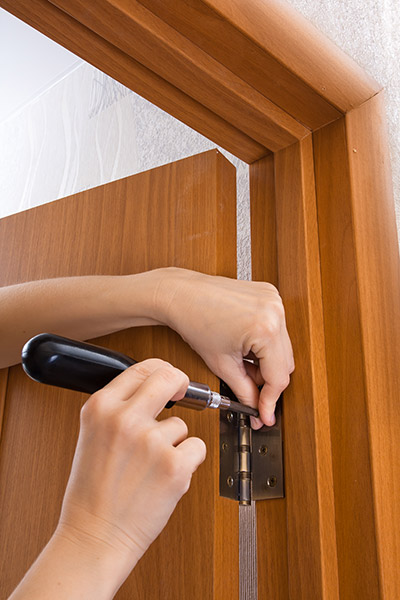installing an interior door hinge